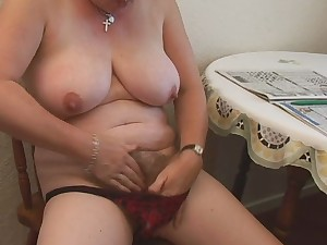 Hirsute Plump Older Fingering