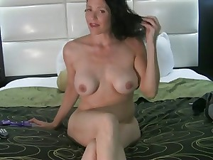 Stylish older makes herself squirting