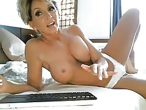 Hottest Milf Forever Rides Fake penis On Livecam